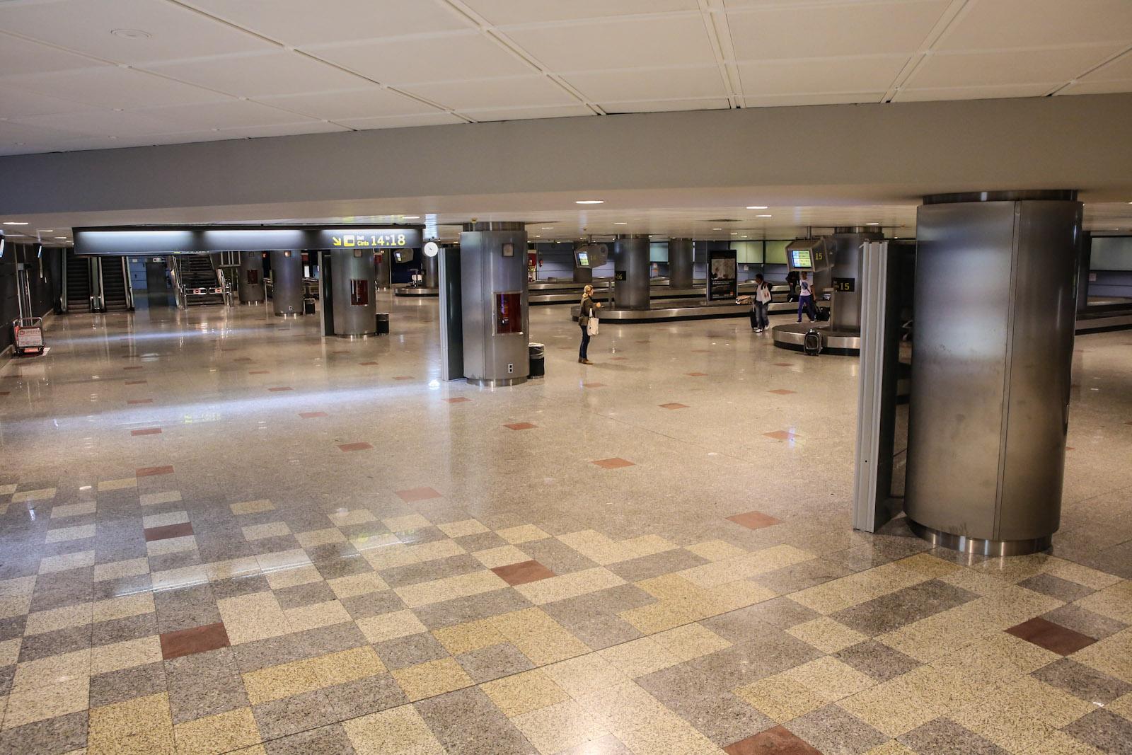 Зал выдачи в терминале Т2 аэропорта Мадрид Барахас