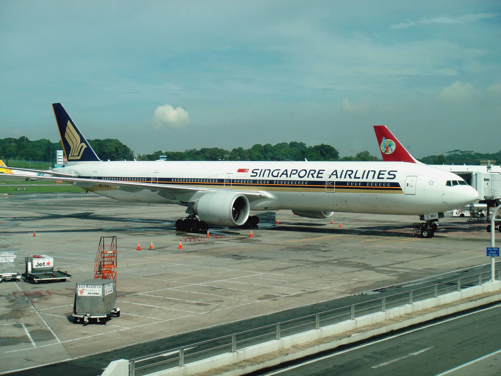 Boeing 777-300 of Singapore Airlines in Changi airport