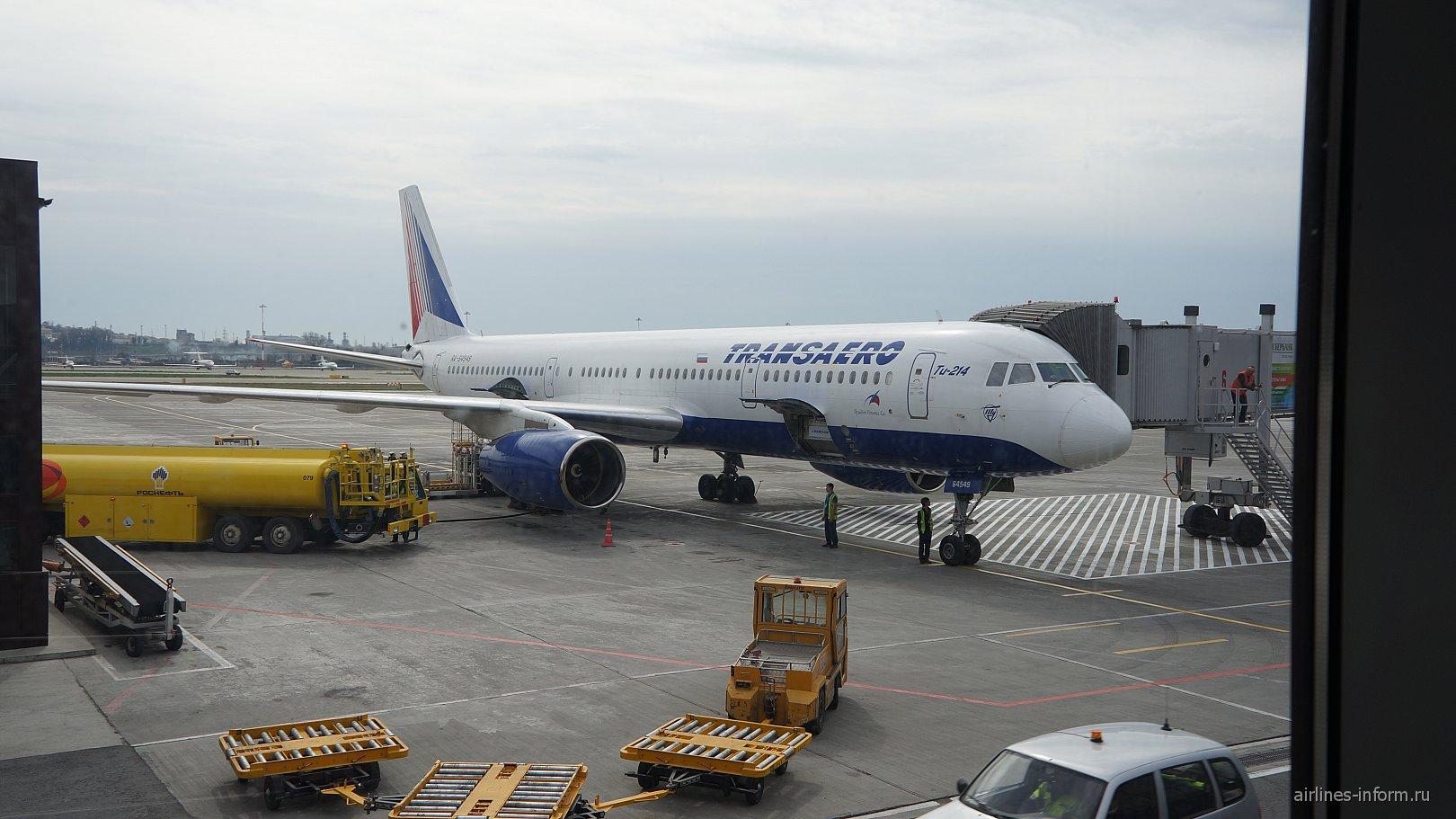 Самолет Ту-214 авиакомпании Трансаэро