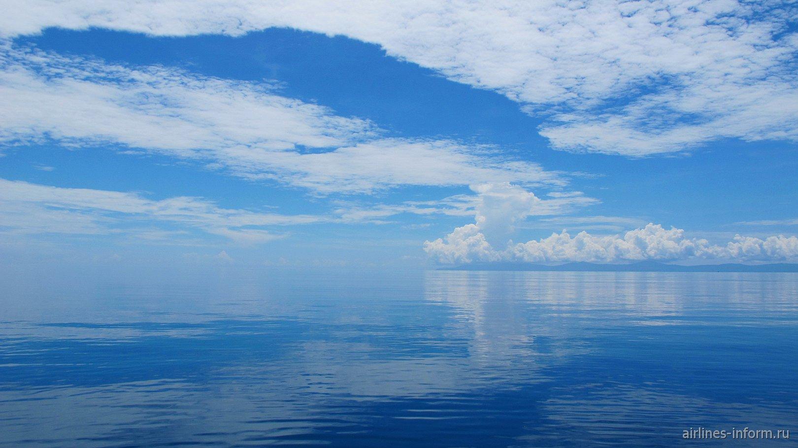 Облака на острове Кей в Индонезии