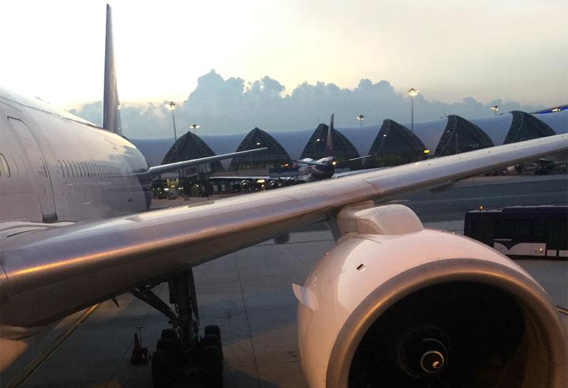 Перелет по маршруту Бангкок (ВКК) - Пхукет с авиакомпанией Thai Airways International на ВС Boeing 777-300