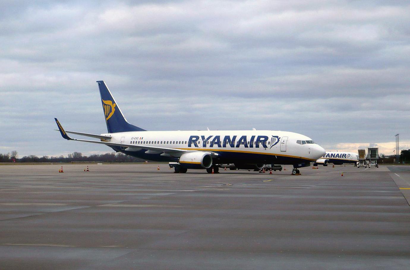 Боинг-737-800 авиакомпании Ryanair в аэропорту Баден-Баден