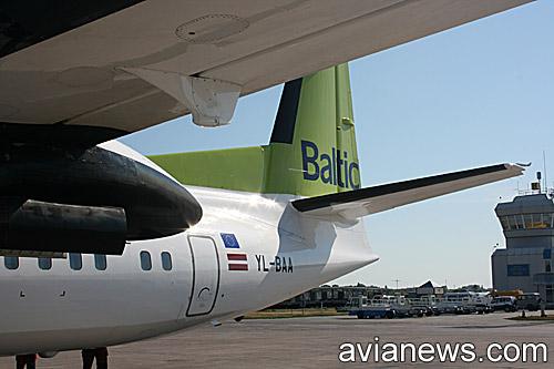 Самолет Fokker 50 авиакомпании airBaltic