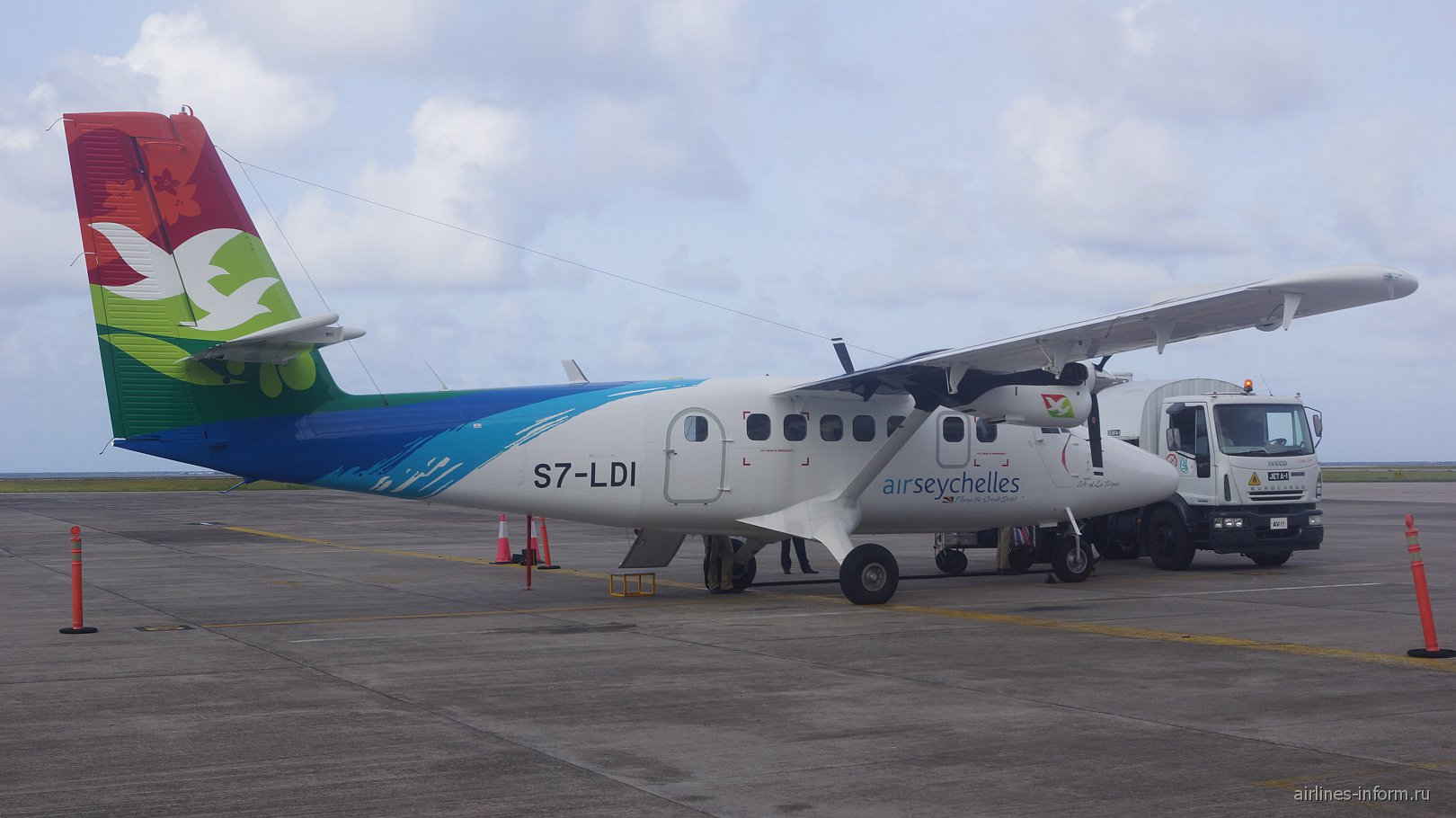 Самолет DHC-6 Twin Otter авиакомпании Air Seychelles в аэропорту Маэ Сейшелы
