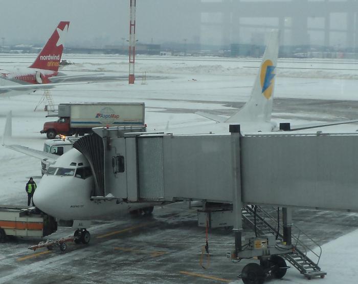 Боинг-737-500 авиакомпании АэроСвит в аэропорту Шереметьево