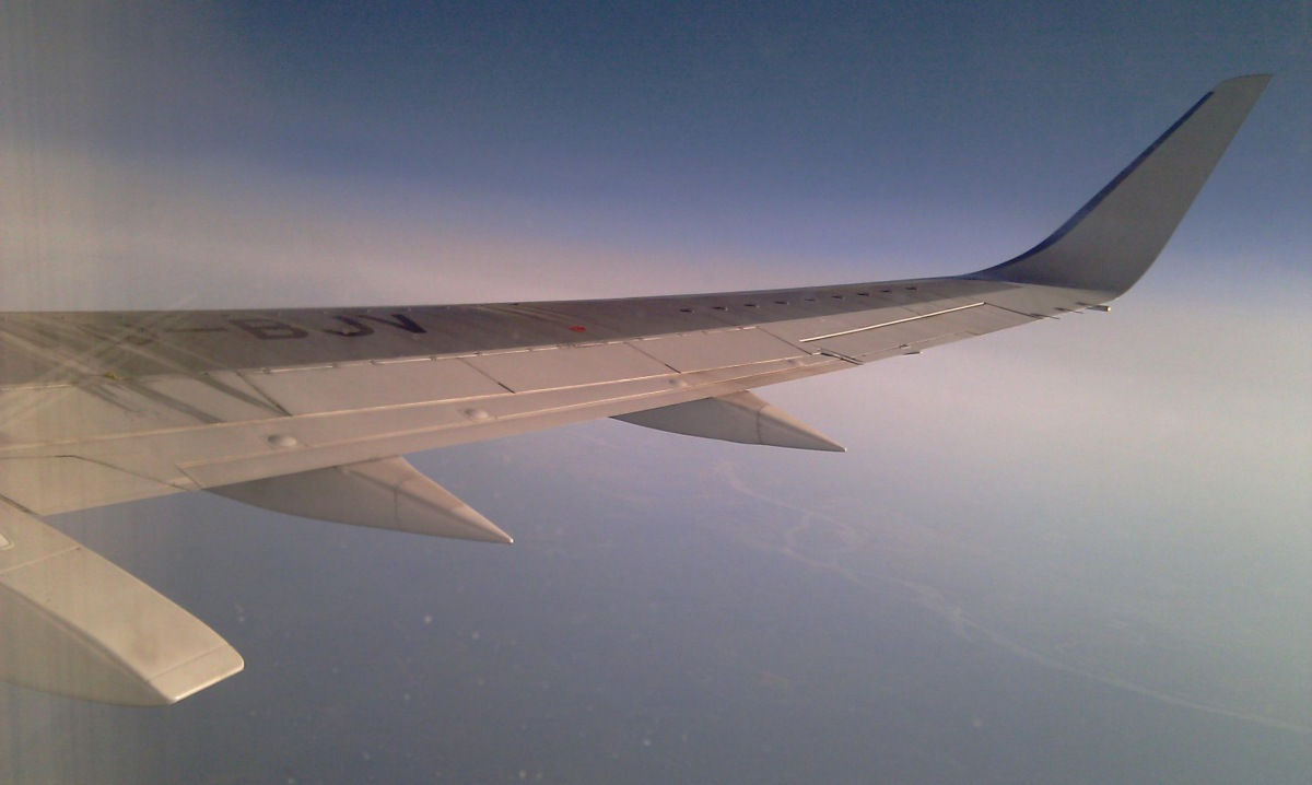 Wing with winglets of Boeing 737-500