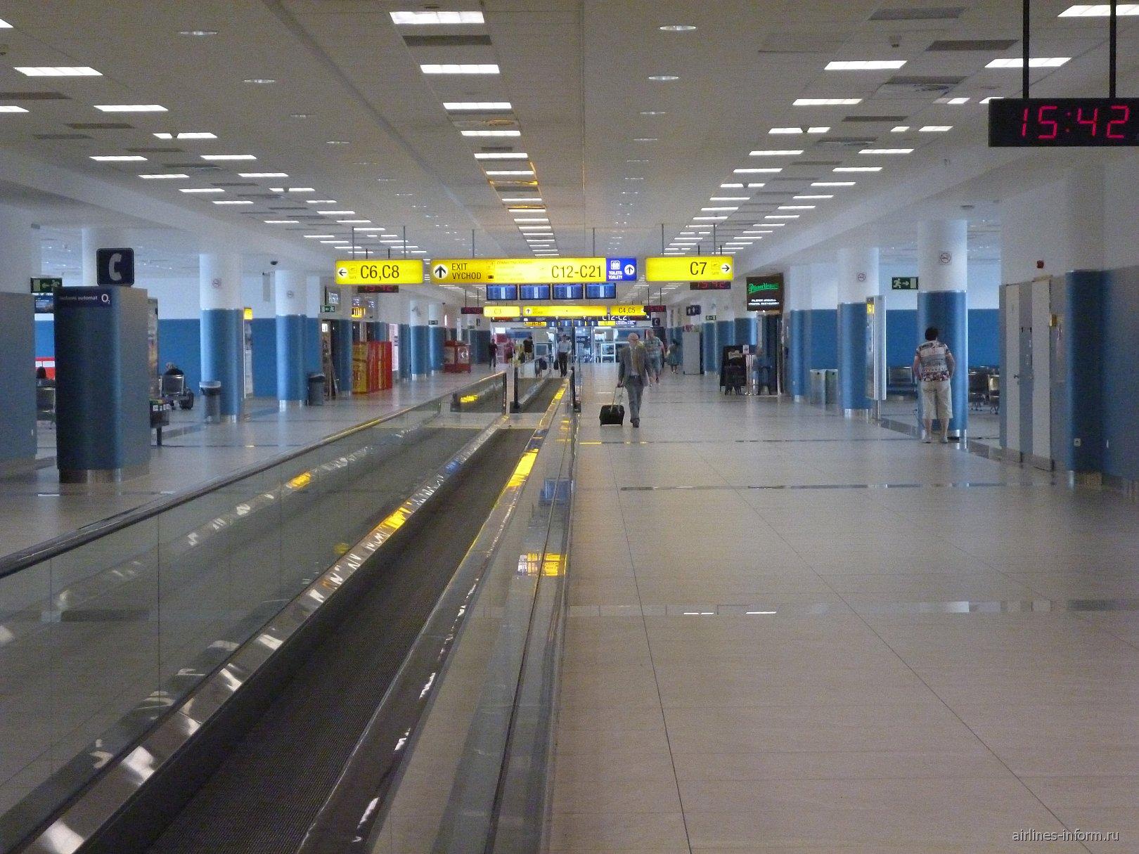 В терминале 2 аэропорта имени Вацлава Гавела в Праге