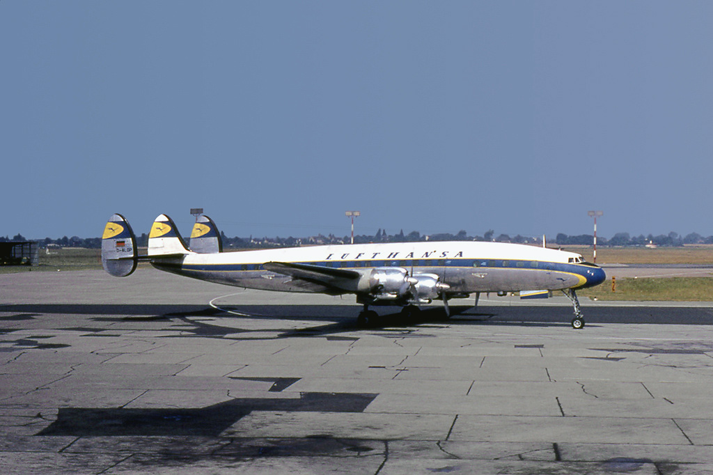 Самолет Lockheed L-1049G Super Constellation авиакомпании Lufthansa