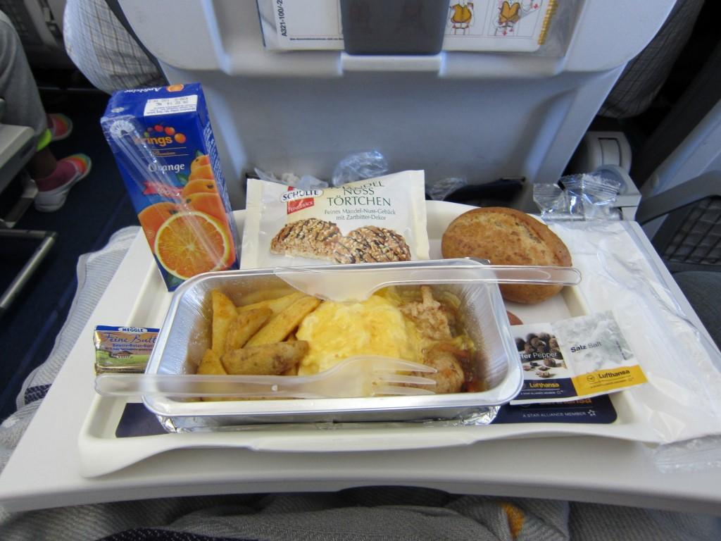 Питание на рейсе Франкфурт-Киев авиакомпании Люфтганза