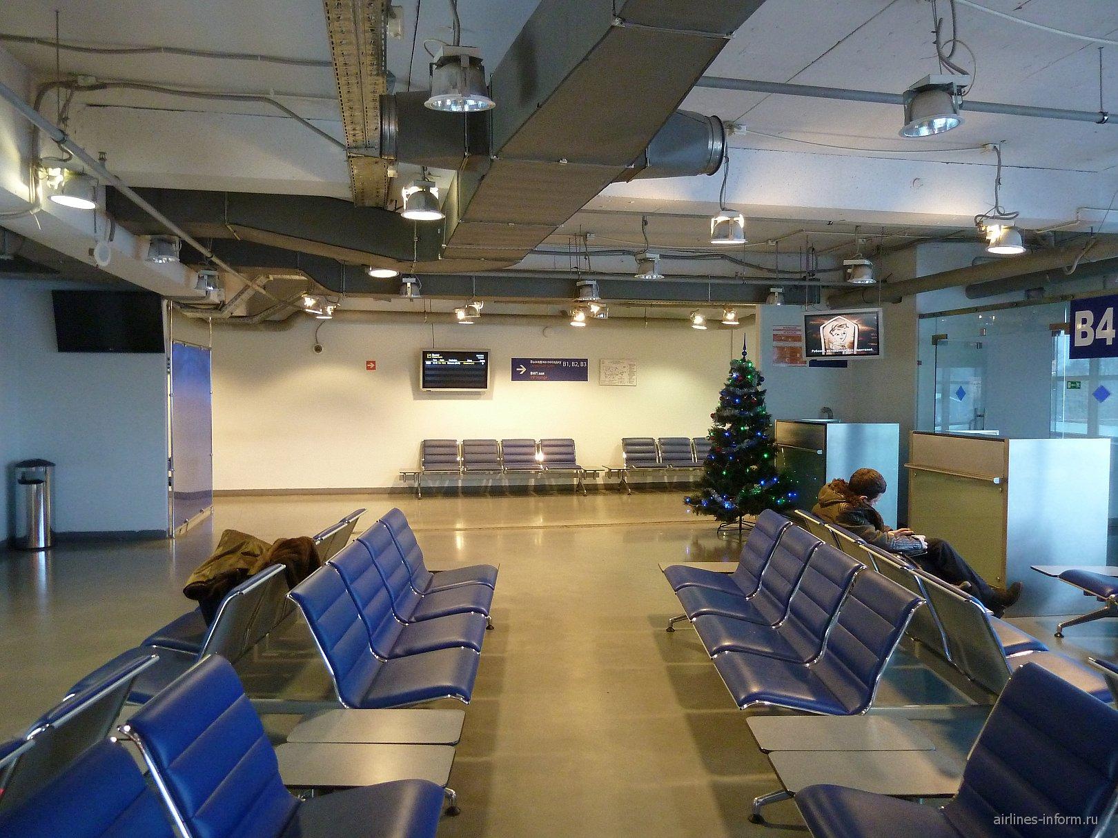 В чистой зоне внутренних вылетов аэропорта Калининград Храброво