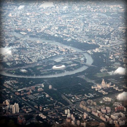 Вид на Москву из иллюминатора