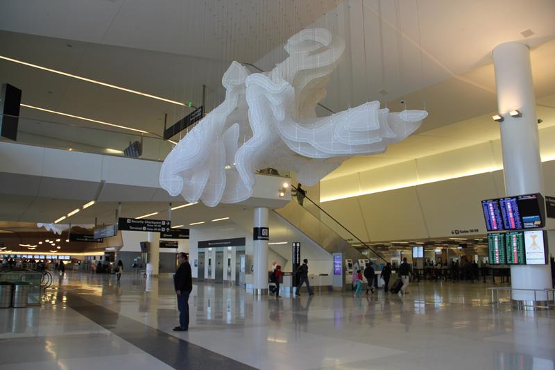 В терминале 2 аэропорта Сан-Франциско