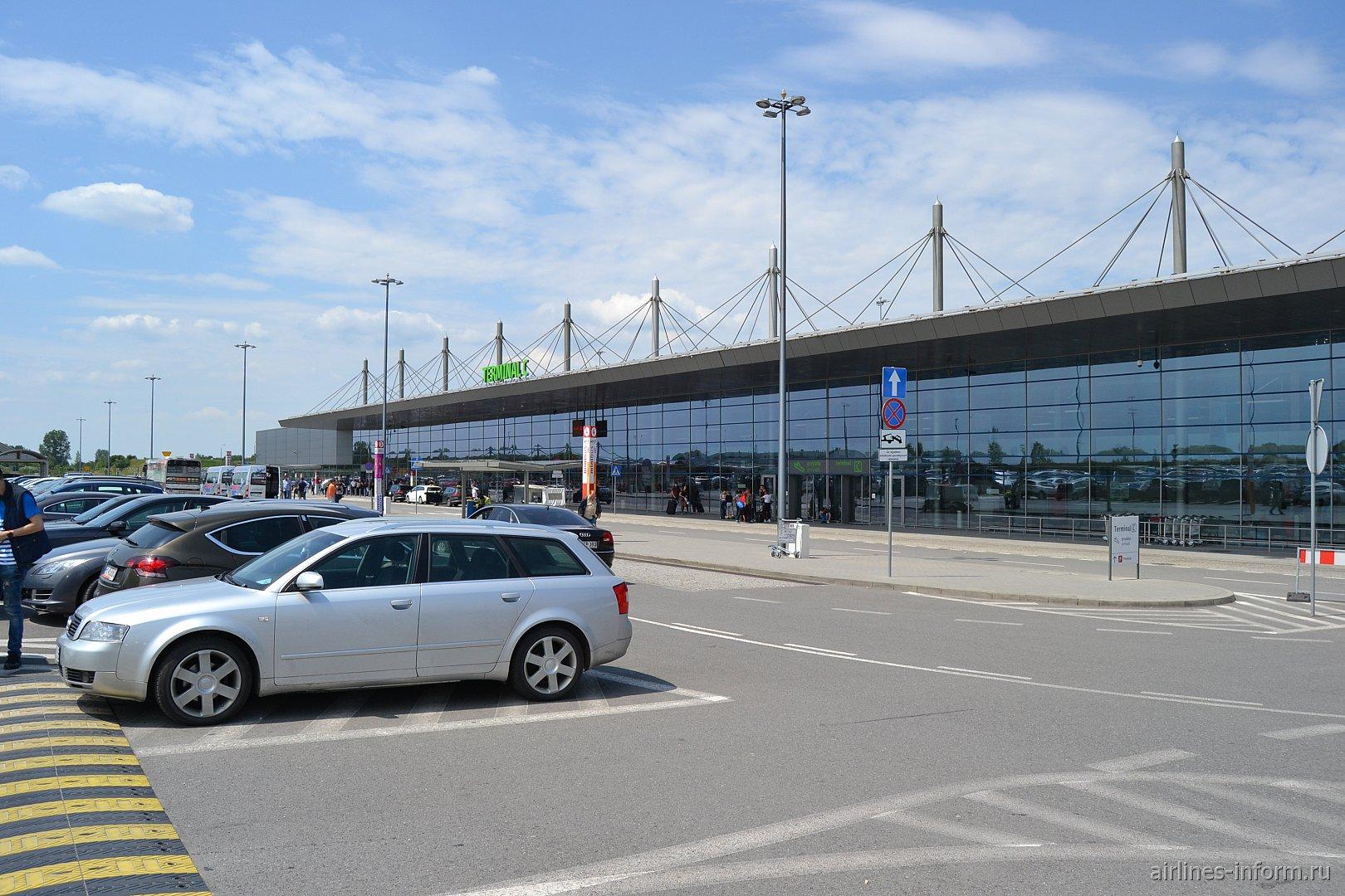 Пассажирский терминал C аэропорта Катовице