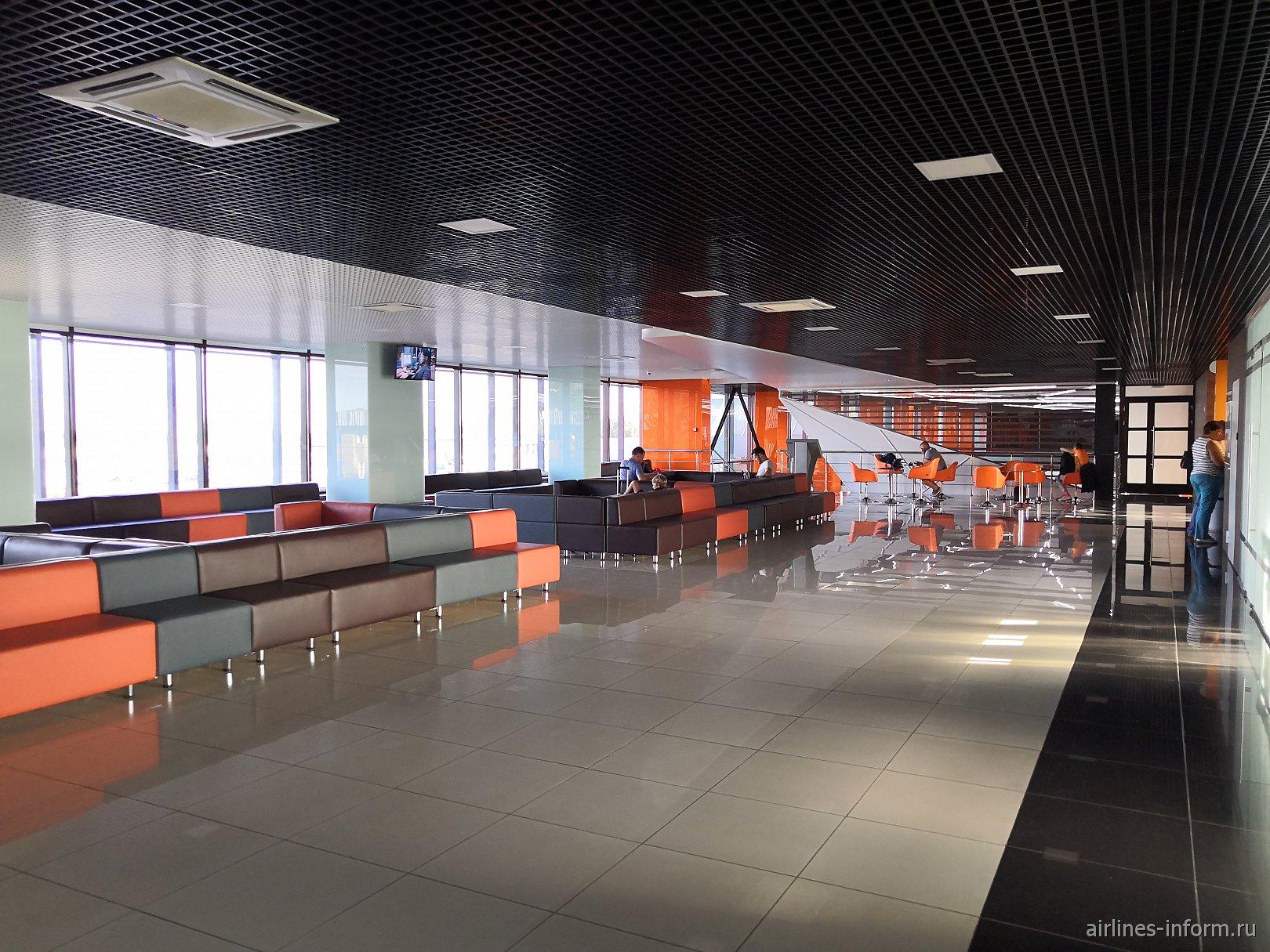 Зона ожидания в пассажирском терминале аэропорта Магнитогорск