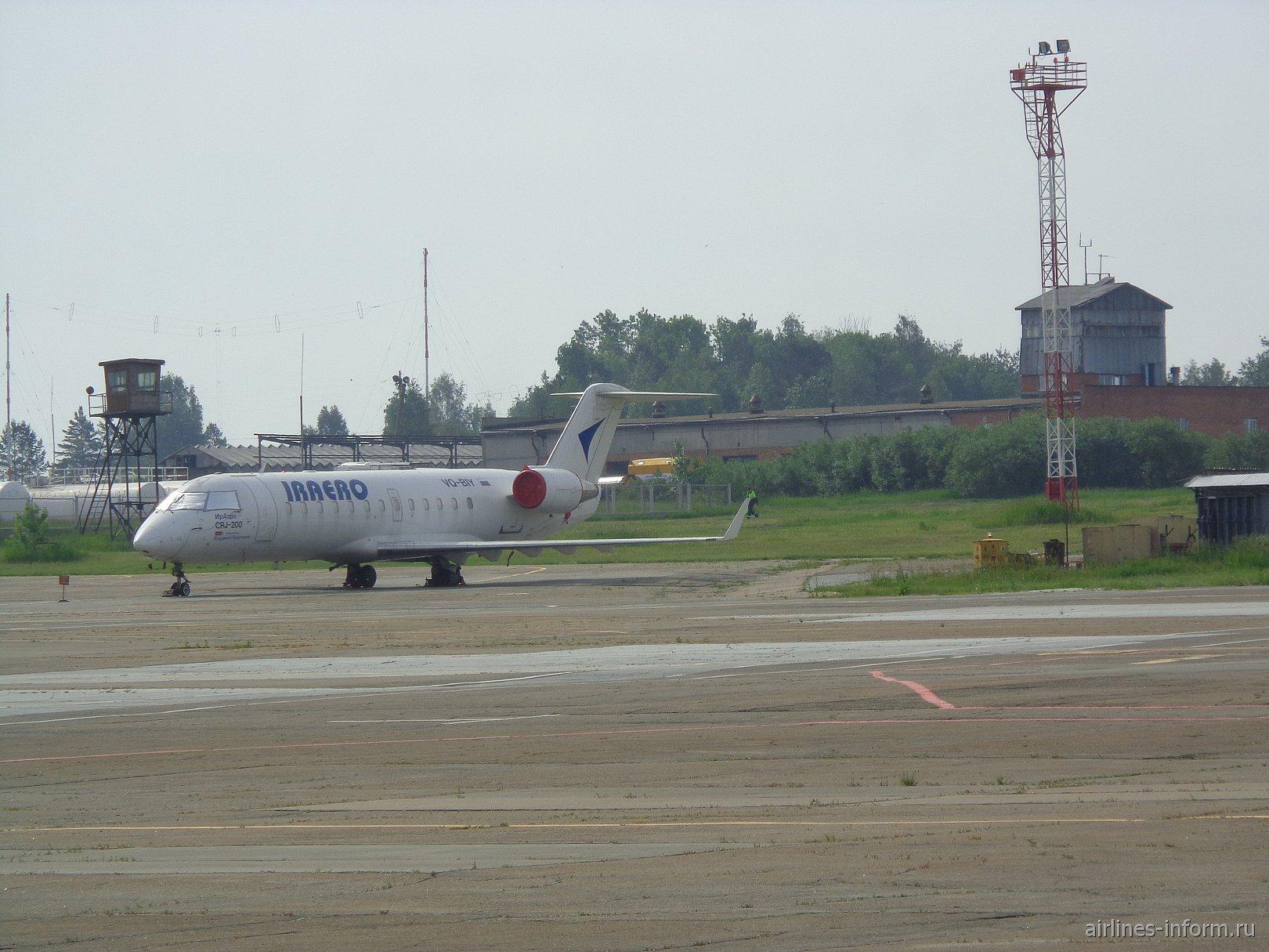 CRJ-200 Ираэро