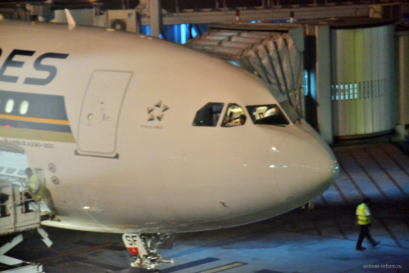 A great way to fly. Рейс SQ 949 Денпасар (Нгурах-Рай) - Чанги (Терминал 3) с Сингапурскими авиалиниями.