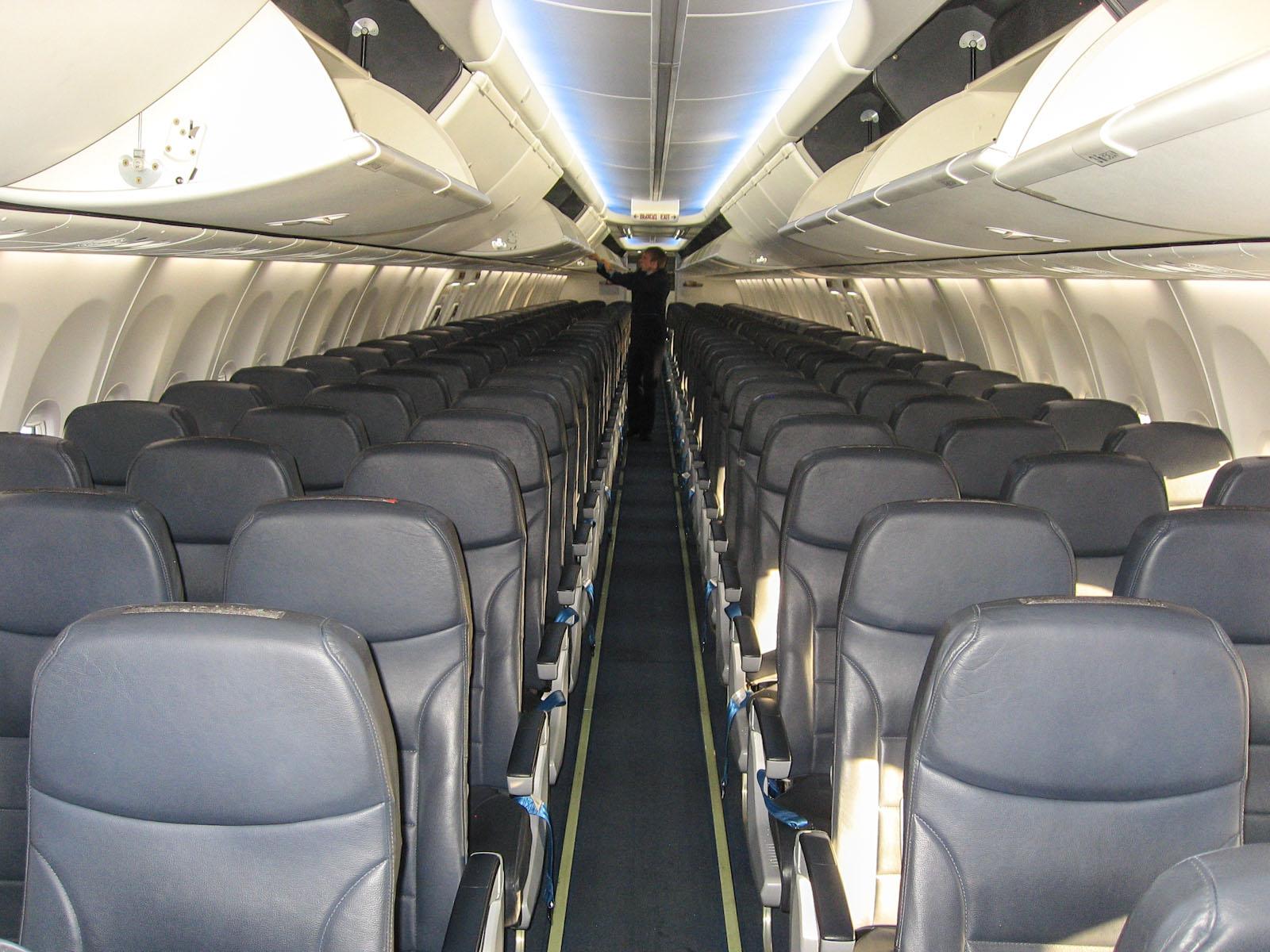 """Пассажирский салон самолета Боинг-737-800 авиакомпании """"Победа"""""""