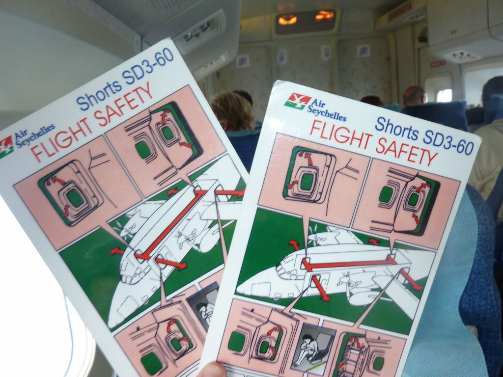 Safety card of Shorts 360 aircraft