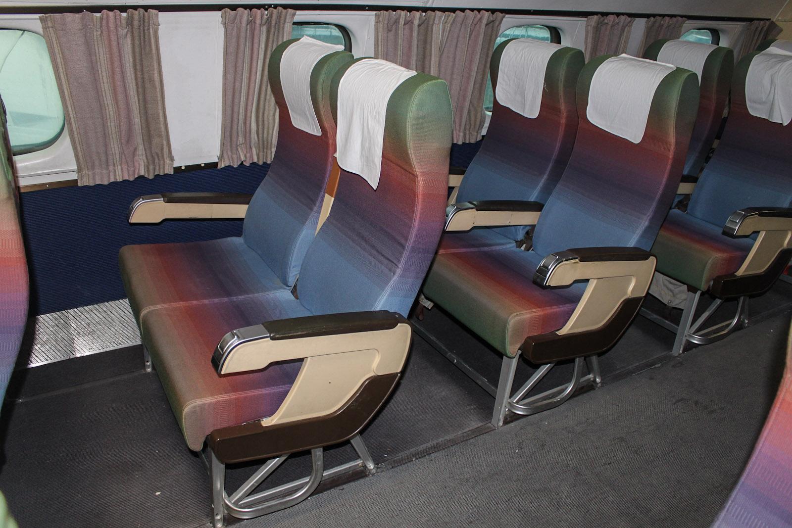 Пассажирские кресла в самолете Lockheed L-1049G Super Constellation