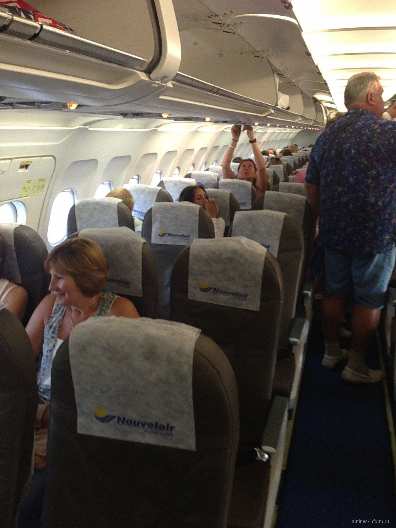 Самолет Airbus A320 авиакомпании Nouvelair
