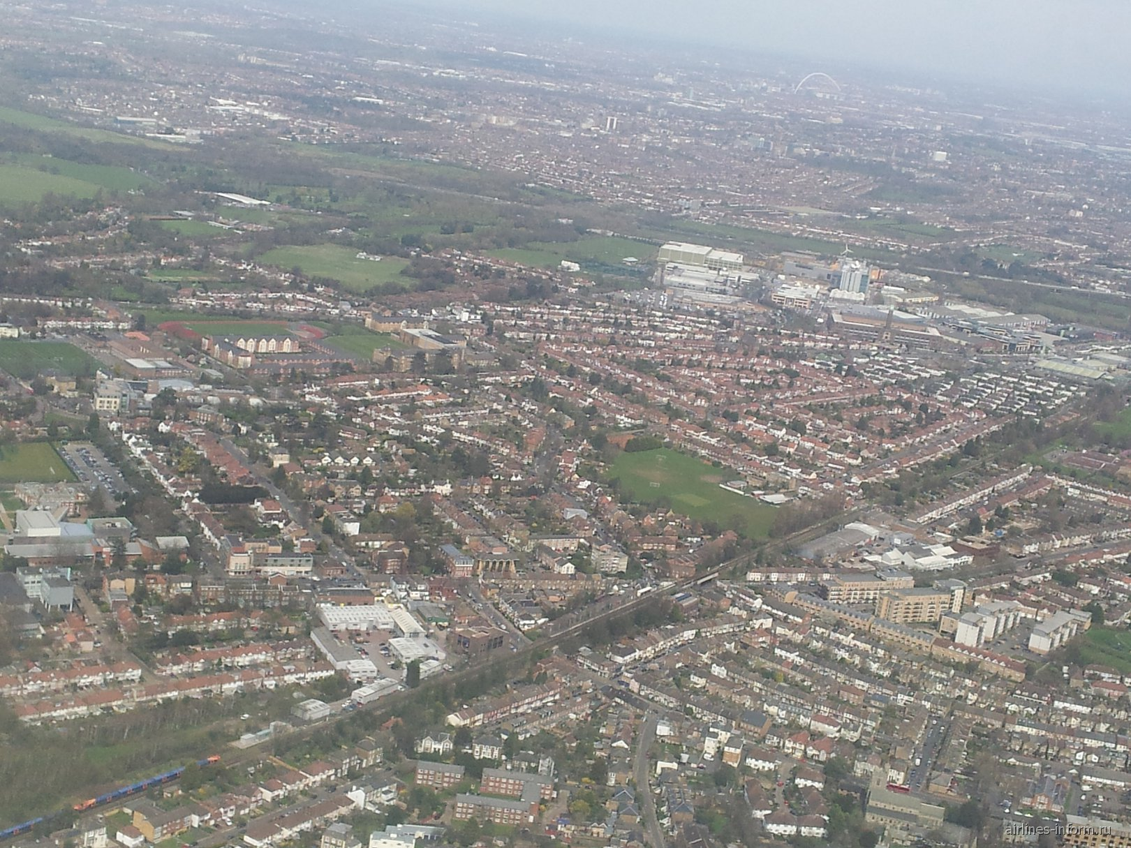 Вид из самолета на Лондон