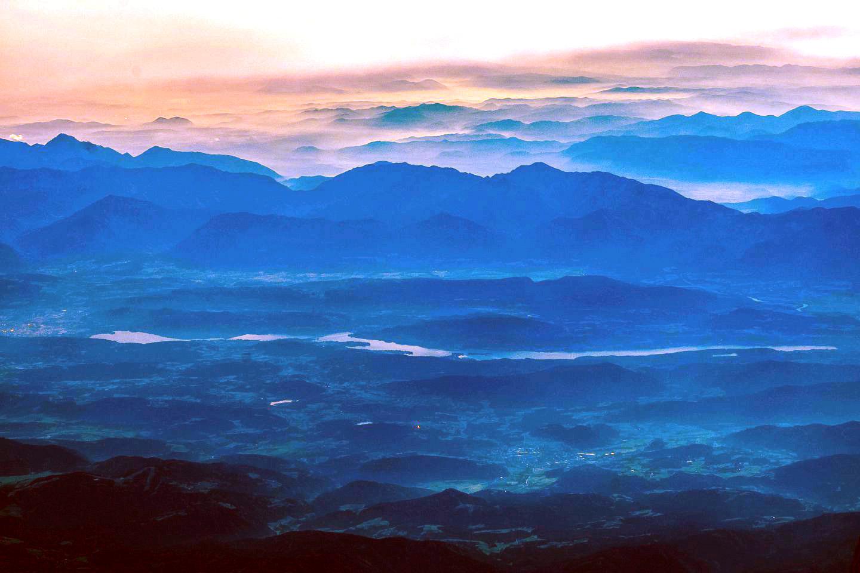 Вид на озеро Вёртерзее в Австрии