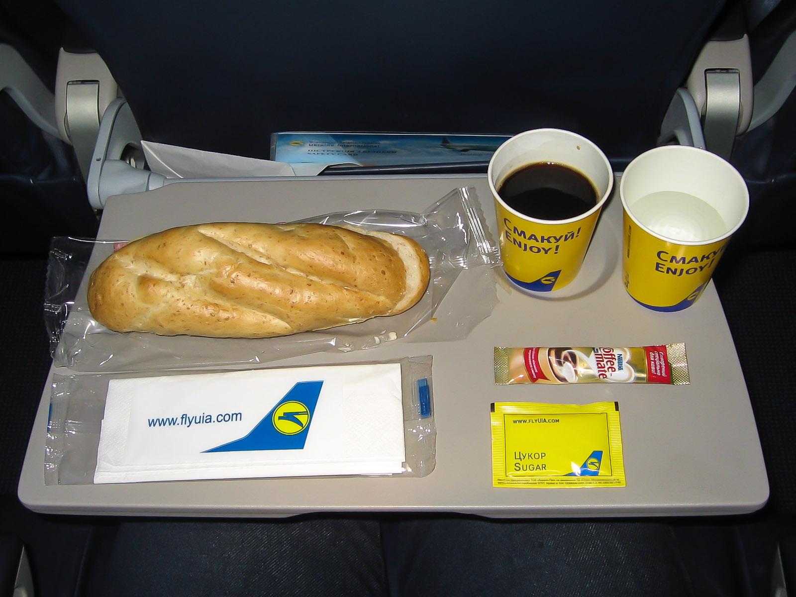 Питание на рейсе Киев-Сочи Международных авиалиний Украины