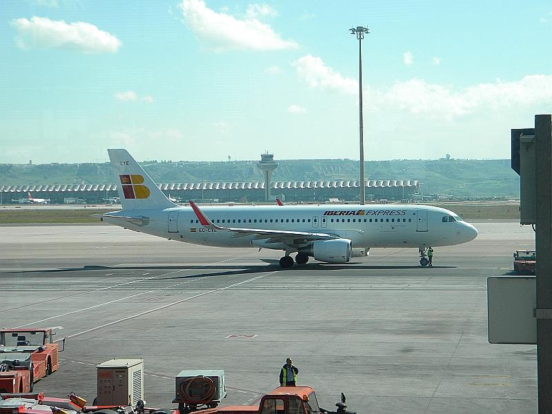 Airbus A320 авиакомпании Iberia Express в аэропорту Мадрид Барахас
