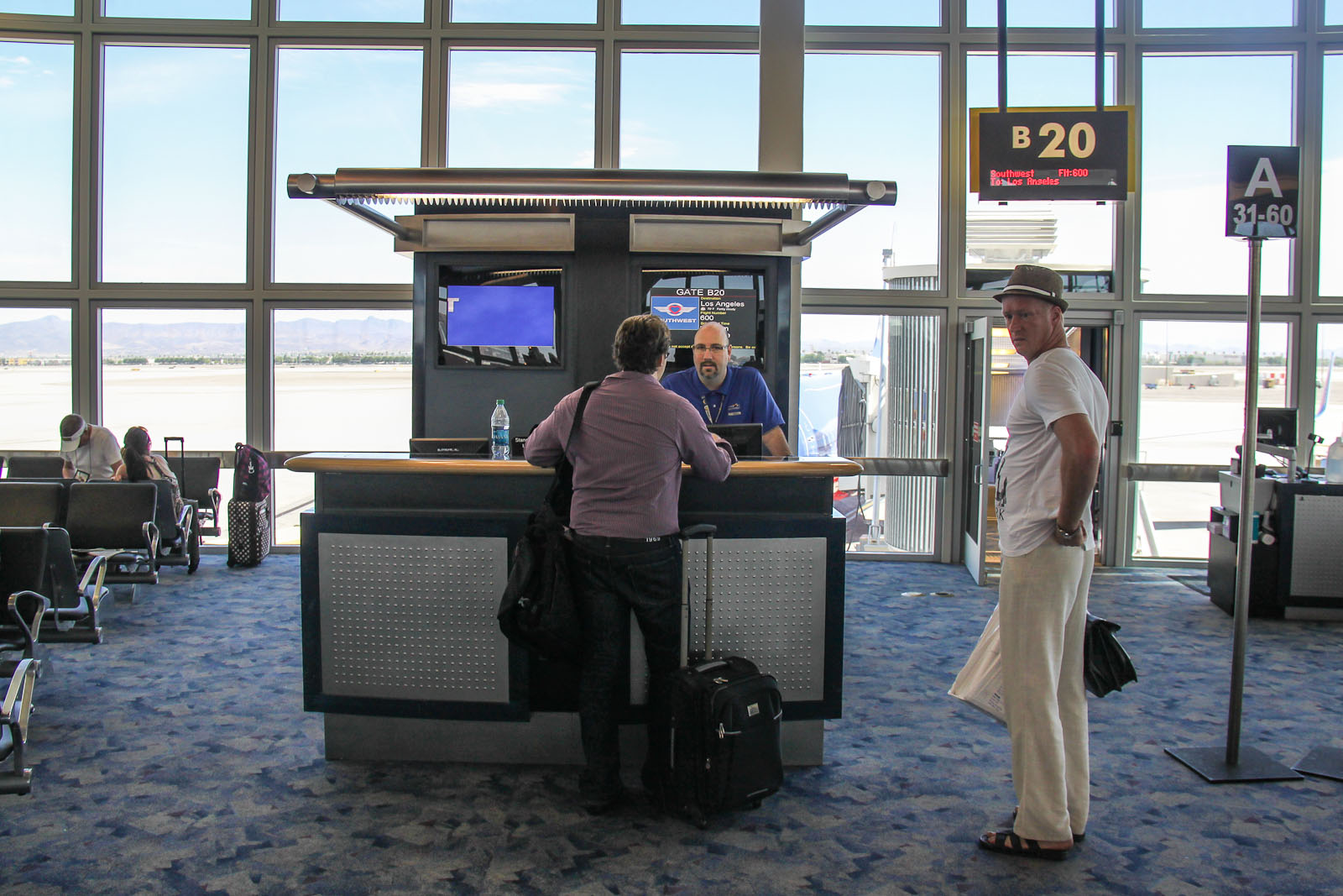 Выход на посадку в аэропорту Лас-Вегаса