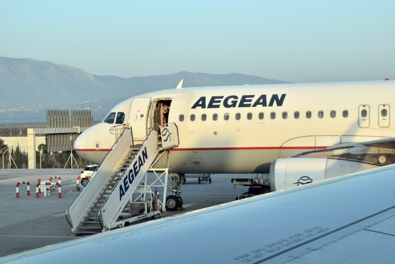 Aegean Airlines DME-ATH A3883