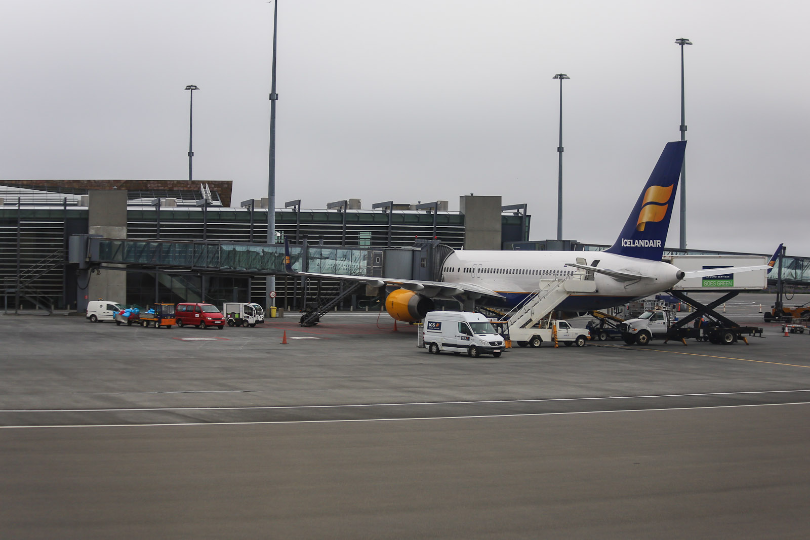 Боинг-757-200 авиакомпании Icelandair в аэропорту Кефлавик