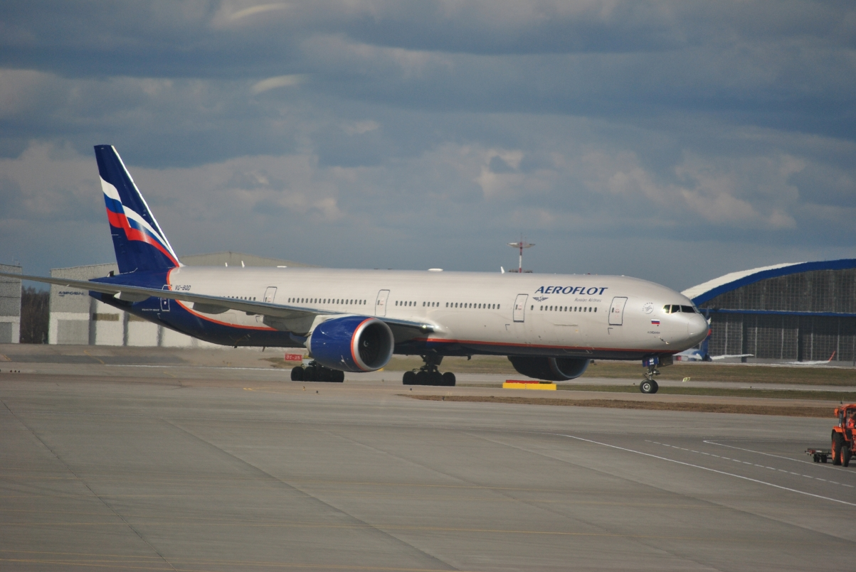Boeing 777-300ER Аэрофлота c номером VQ-BQD в аэропорту Шереметьево