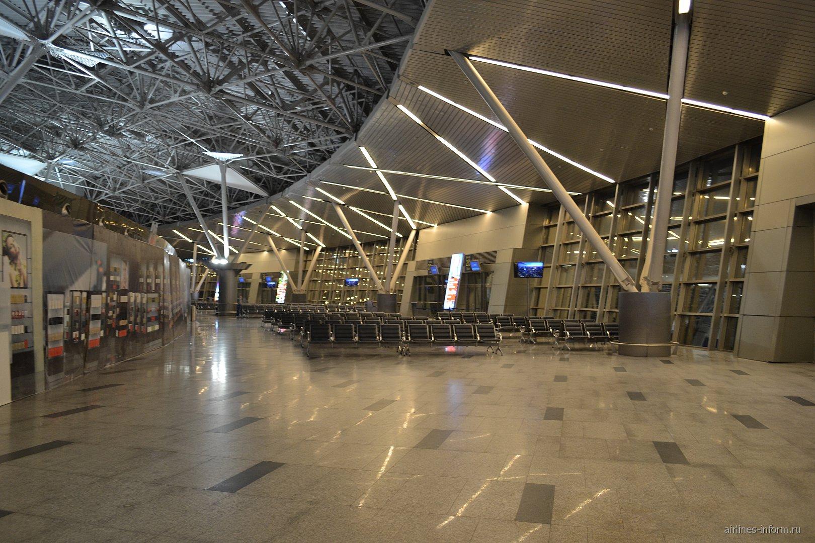 Залы ожидания в чистой зоне международных рейсов Терминала А аэропорта Внуково