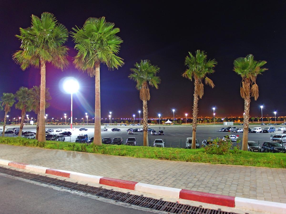 Автомобильная парковка в аэропорту Фес-Саи