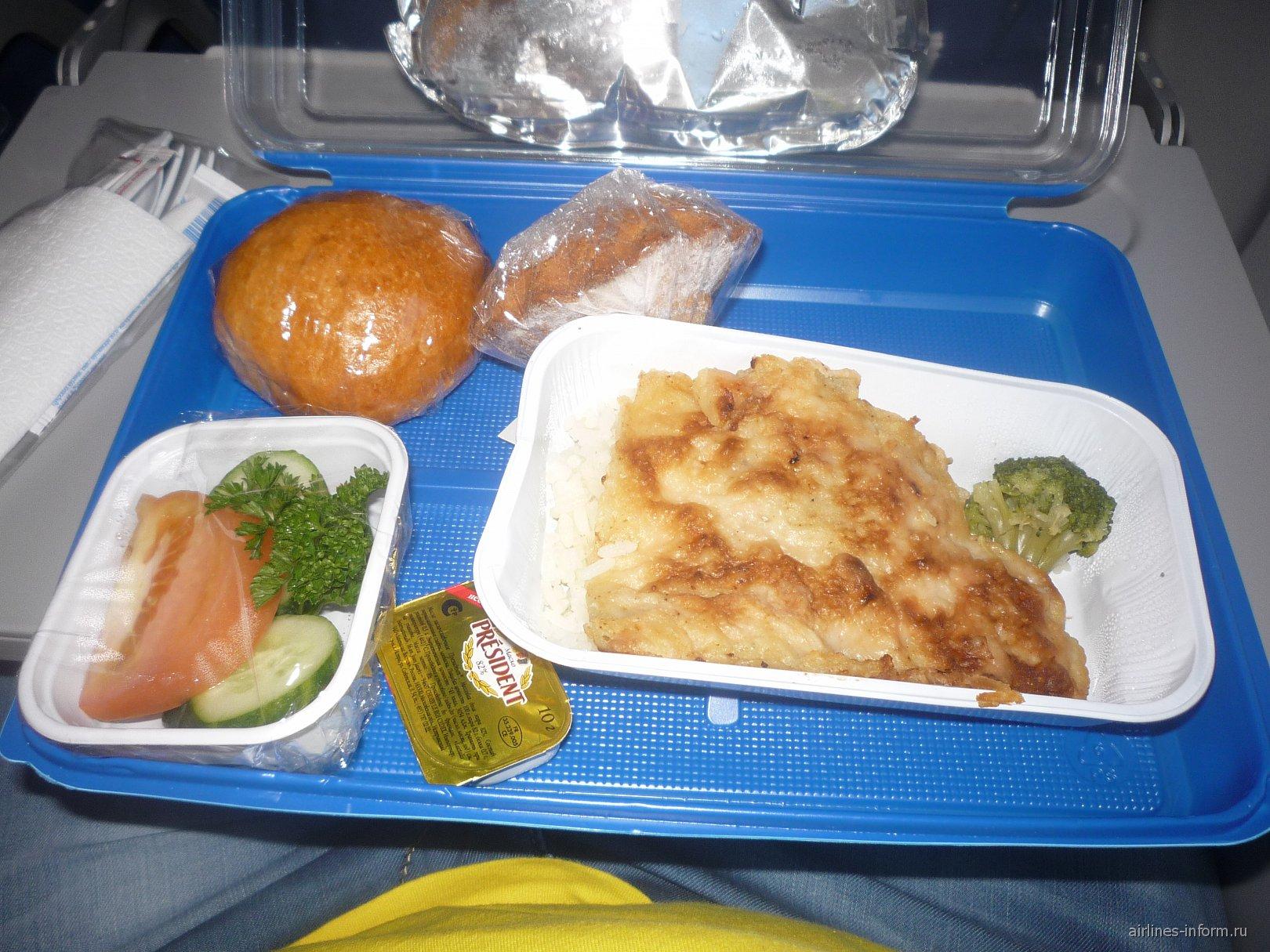 Питание на рейсе Львов-Хургада Международных авиалиний Украины