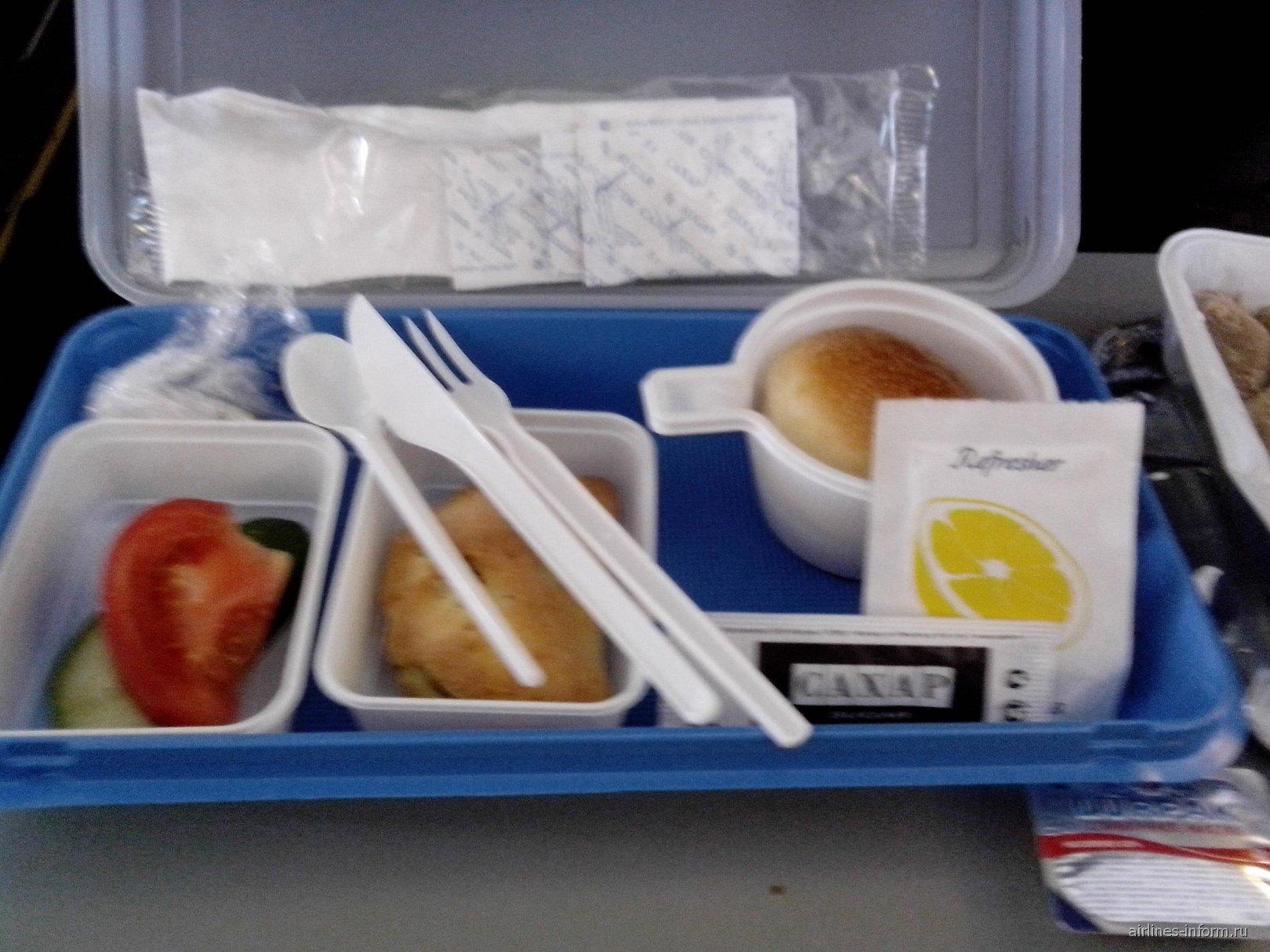Питание на чартерном рейсе Омск-Анталья авиакомпании UTair
