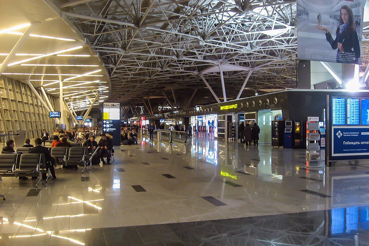 В чистой зоне терминала А аэропорта Внуково