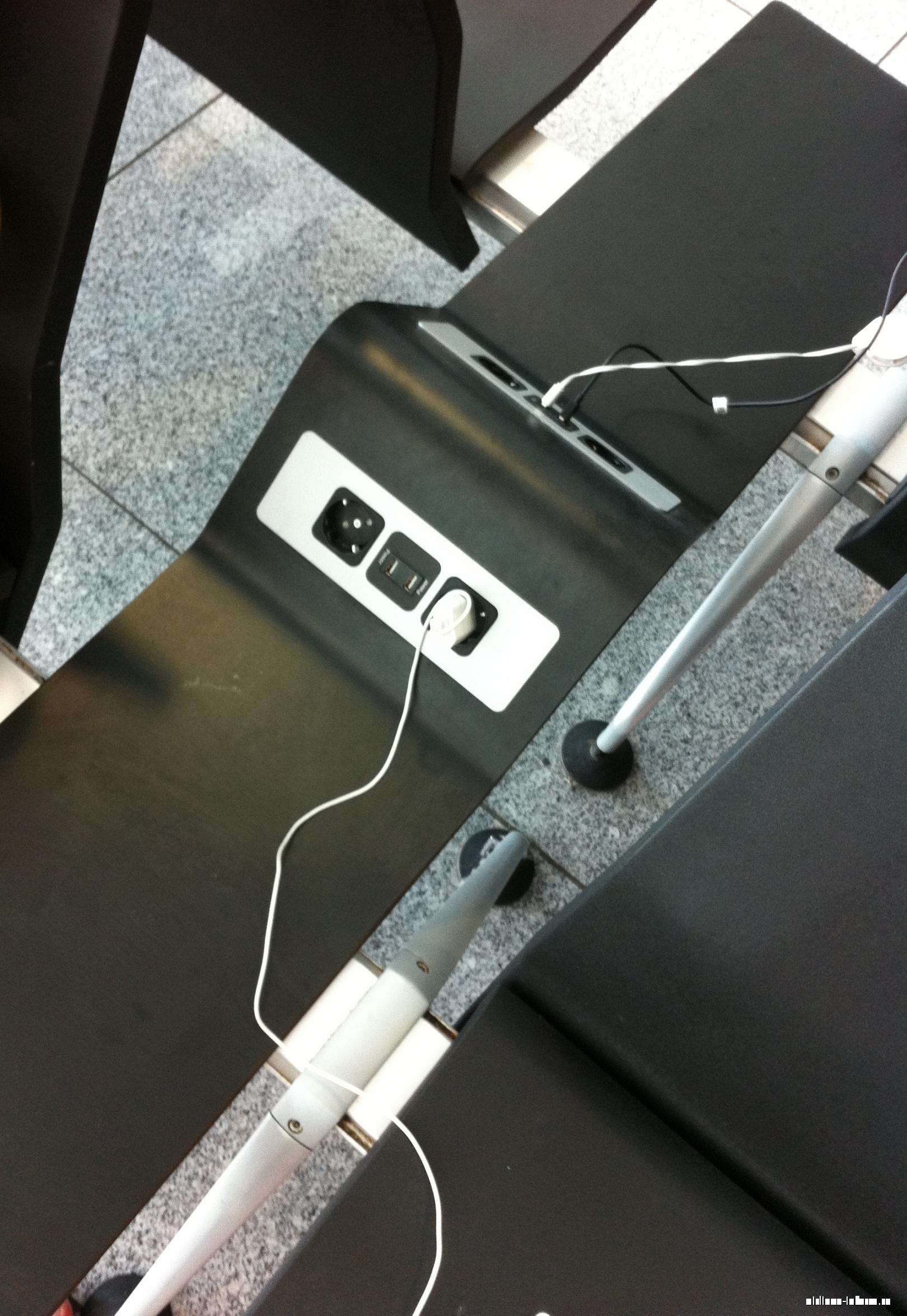 Розетки и USB-порты для подзарядки