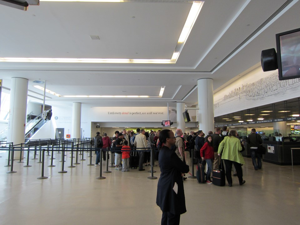 В аэропорту имени Джона Кеннеди