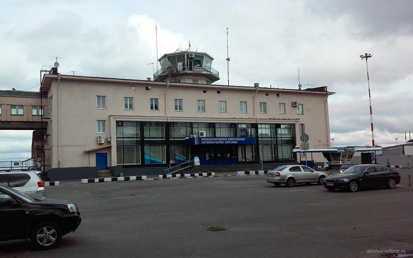 Терминал 2 международных рейсов аэропорта Архангельск Талаги
