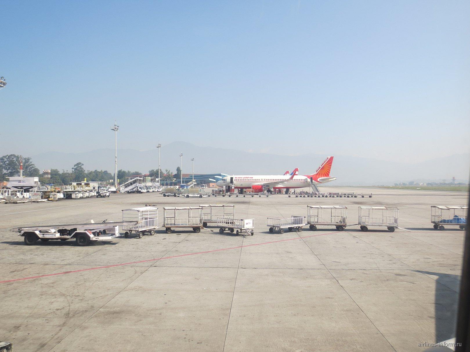 Перрон аэропорта Катманду Трибхуван