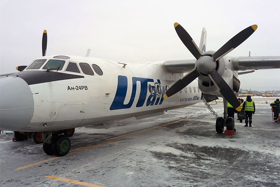 Внутрирегиональный полет Ухта-Сыктывкар на АН-24 Катэкавиа.... Назад в детство))
