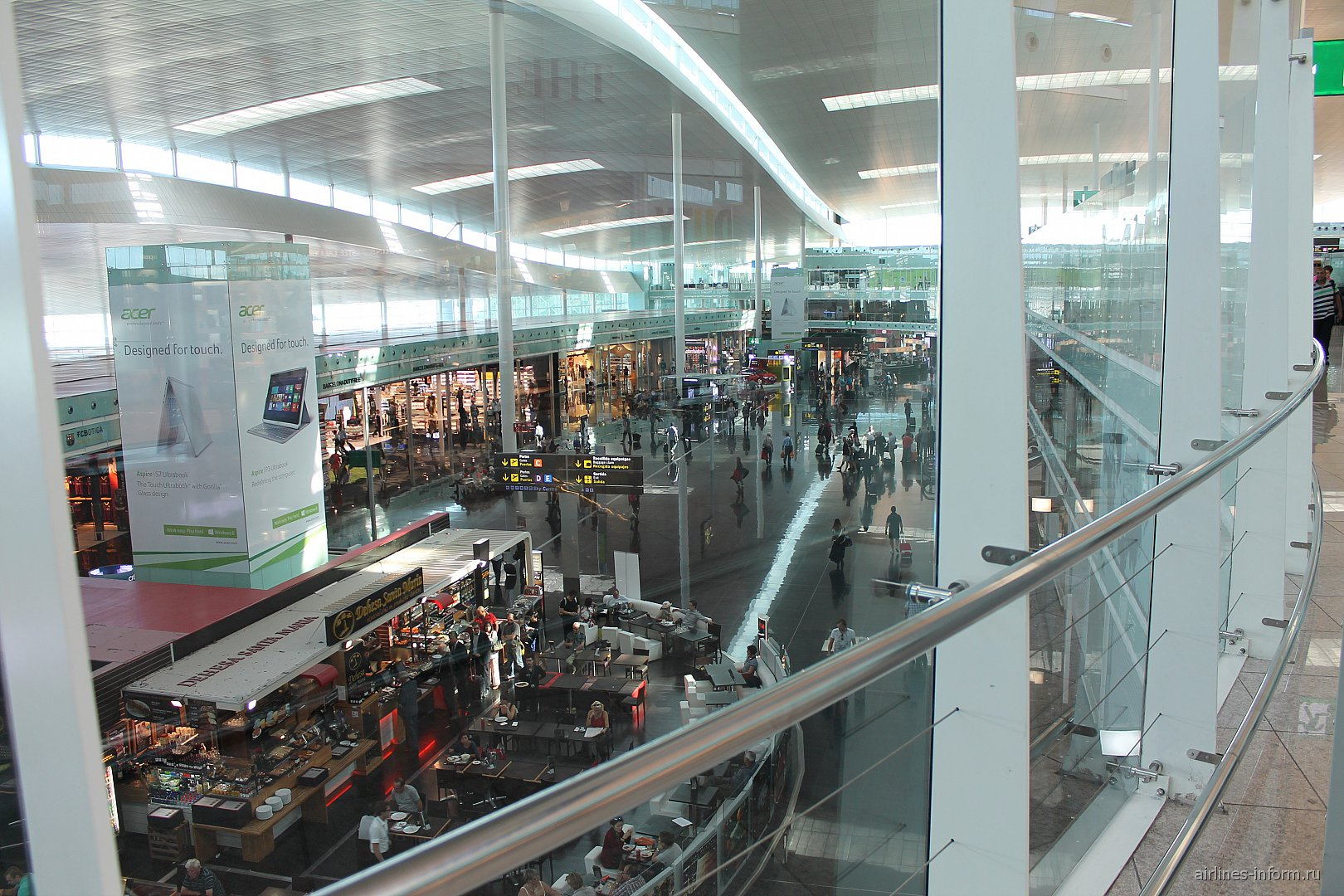 В терминале 3 аэропорта Барселоны