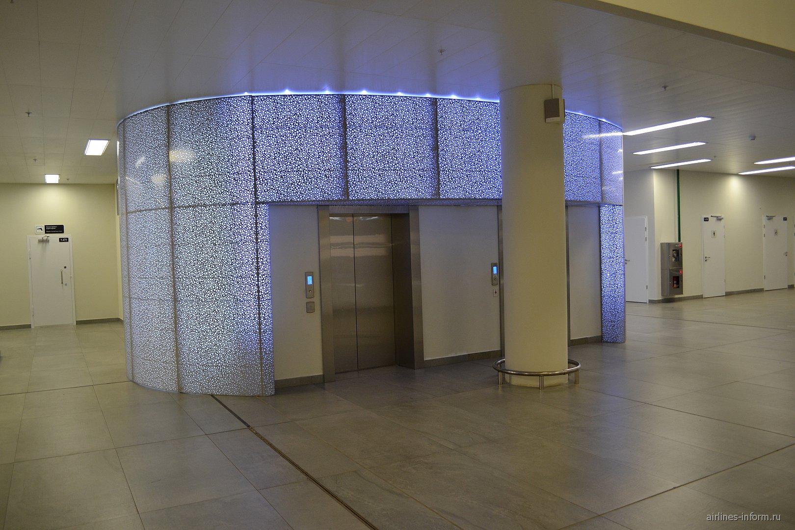 Лифт для маломобильных пассажиров в аэропорту Самара Курумоч