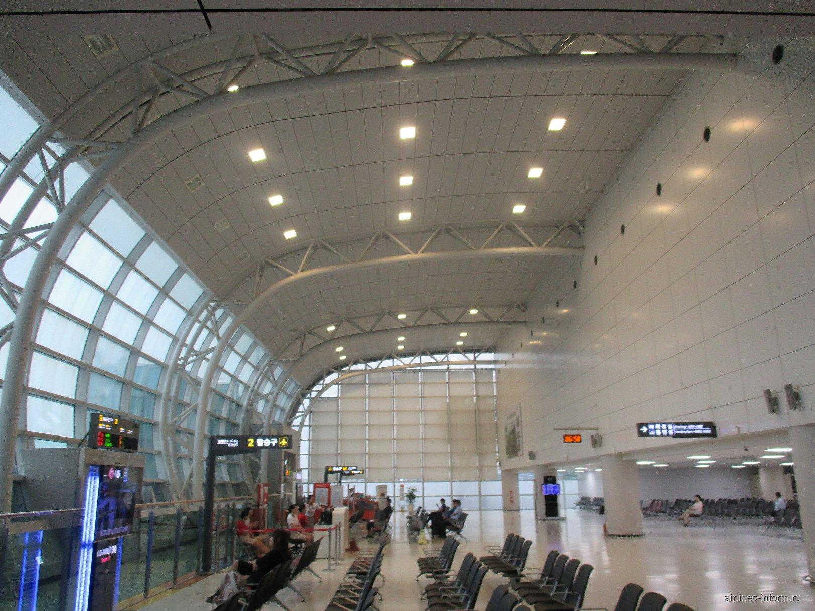 В аэровокзале аэропорта Чеджу