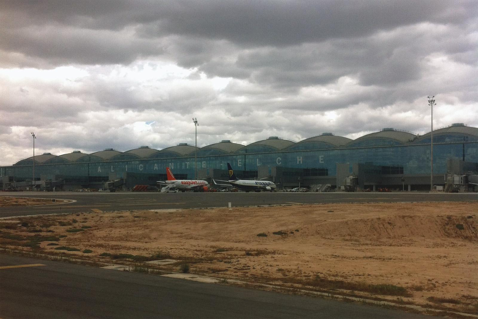 Пассажирский терминал аэропорта Аликанте