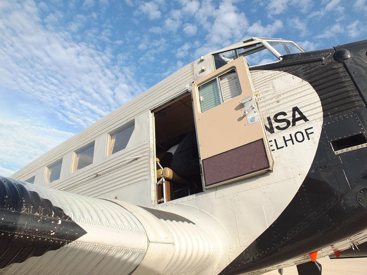 Дверь самолета Юнкерс Ю-52 авиакомпании Люфтганза