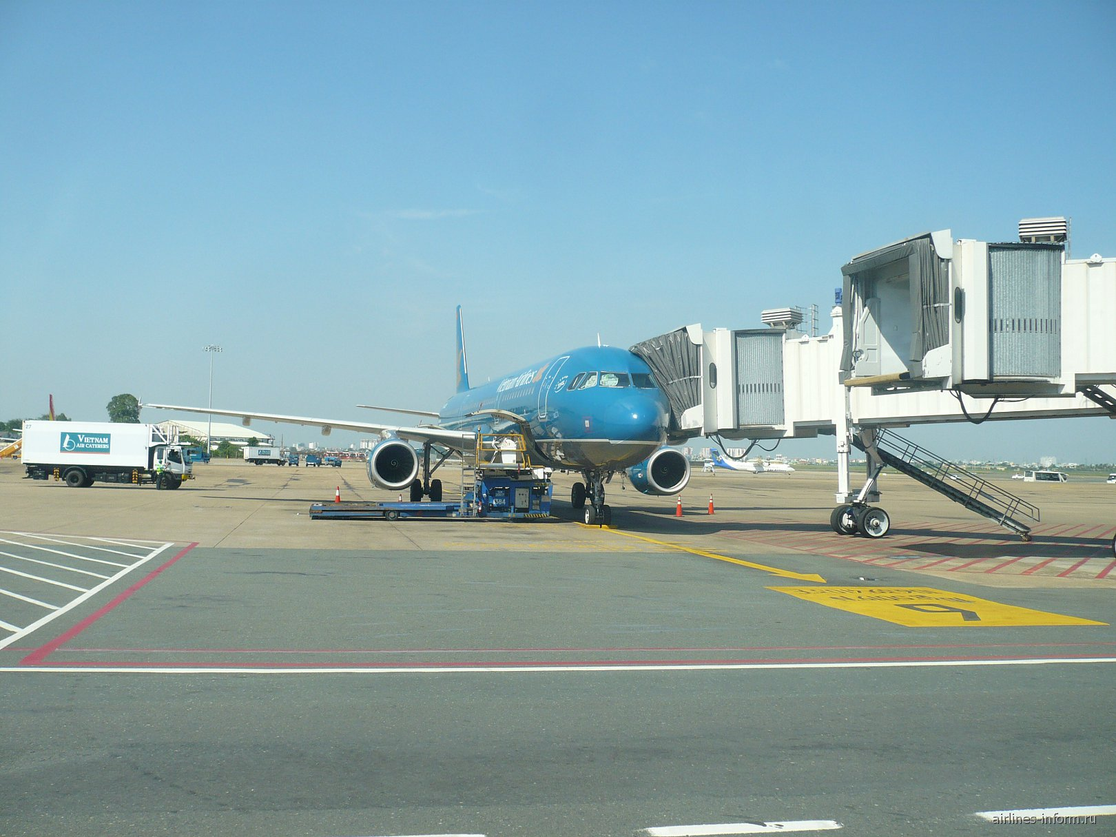 Airbus A321 Вьетнамских авиалиний в аэропорту Камрань