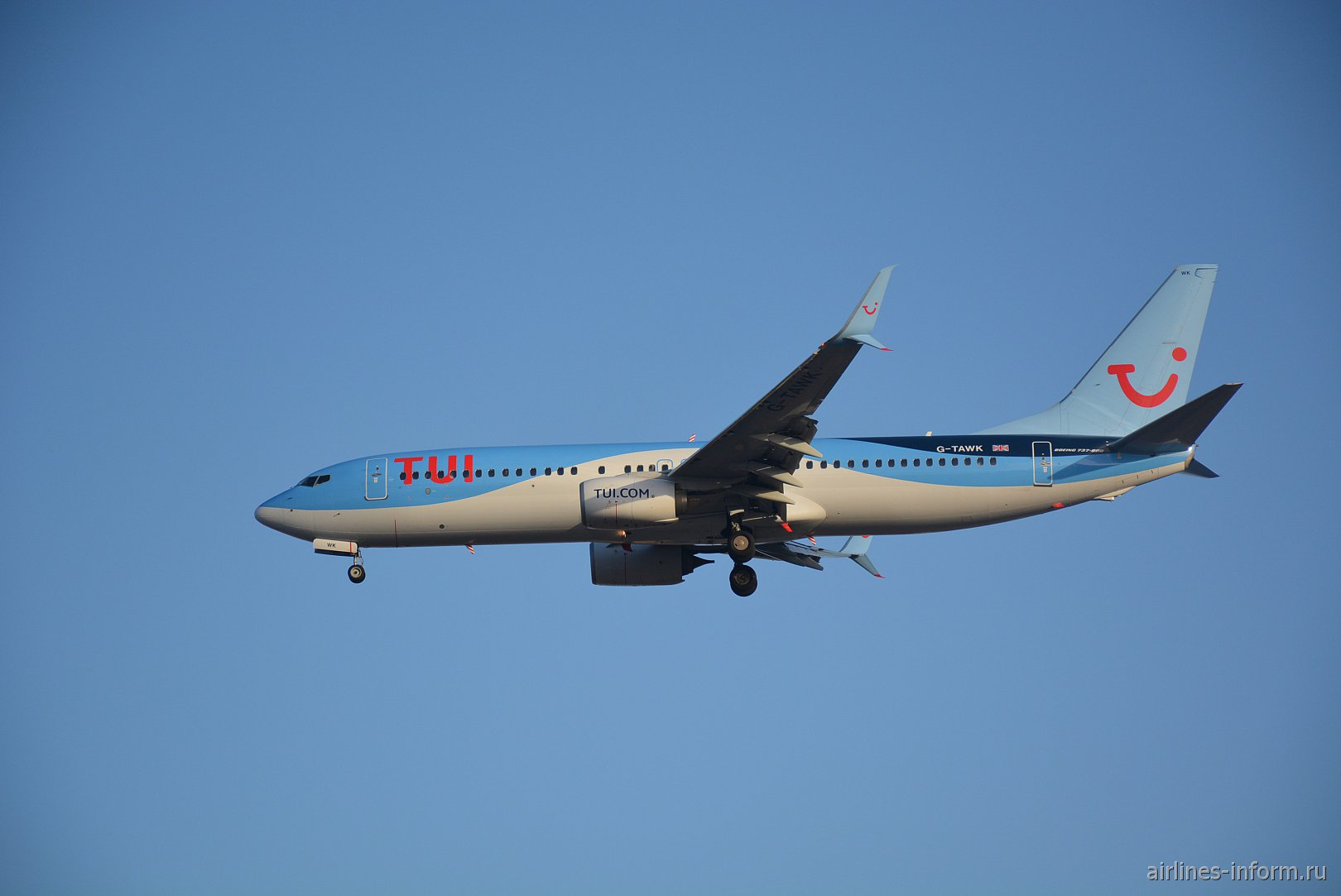 Boeing 737-800 с номером G-TAWK авиакомпании Thomson Airways