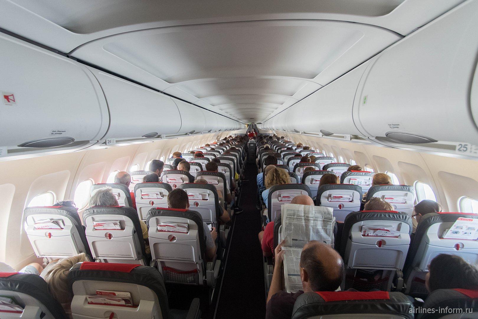 Салон самолета A319 авиакомпании Austrian